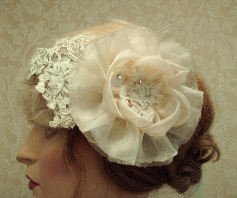 Champagne Hair Flower Hair Clip / Bridal Accessories, Bridesmaids, Weddings