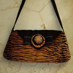 Tiger Animal Print Large Clutch With Bow For Autumn Or Winter